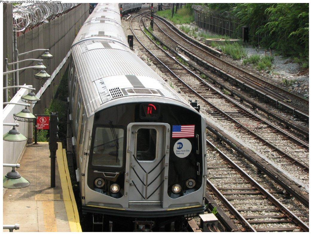 (267k, 1044x788)<br><b>Country:</b> United States<br><b>City:</b> New York<br><b>System:</b> New York City Transit<br><b>Line:</b> BMT Sea Beach Line<br><b>Location:</b> 86th Street <br><b>Route:</b> N<br><b>Car:</b> R-160B (Kawasaki, 2005-2008)  8722 <br><b>Photo by:</b> Michael Carrigy<br><b>Date:</b> 8/17/2006<br><b>Viewed (this week/total):</b> 0 / 3652