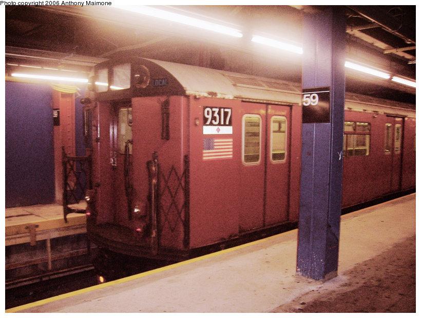 (150k, 820x620)<br><b>Country:</b> United States<br><b>City:</b> New York<br><b>System:</b> New York City Transit<br><b>Line:</b> IND 8th Avenue Line<br><b>Location:</b> 59th Street/Columbus Circle <br><b>Route:</b> Work Service<br><b>Car:</b> R-33 World's Fair (St. Louis, 1963-64) 9317 <br><b>Photo by:</b> Anthony Maimone<br><b>Date:</b> 9/1/2006<br><b>Viewed (this week/total):</b> 0 / 3229