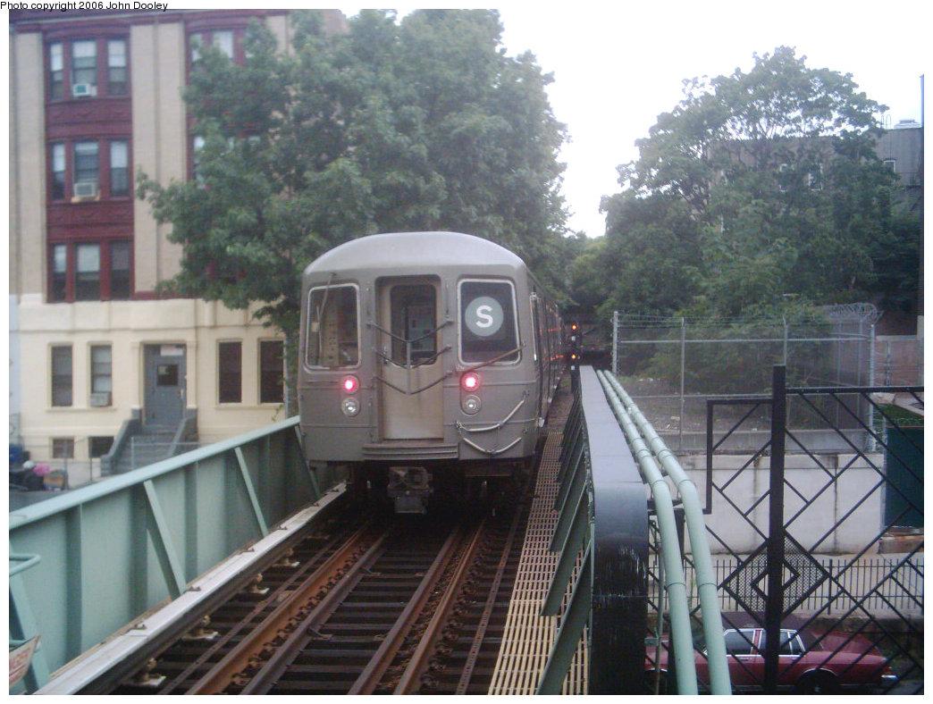(228k, 1044x788)<br><b>Country:</b> United States<br><b>City:</b> New York<br><b>System:</b> New York City Transit<br><b>Line:</b> BMT Franklin<br><b>Location:</b> Park Place <br><b>Route:</b> Franklin Shuttle<br><b>Car:</b> R-68 (Westinghouse-Amrail, 1986-1988)   <br><b>Photo by:</b> John Dooley<br><b>Date:</b> 8/26/2006<br><b>Viewed (this week/total):</b> 0 / 5424