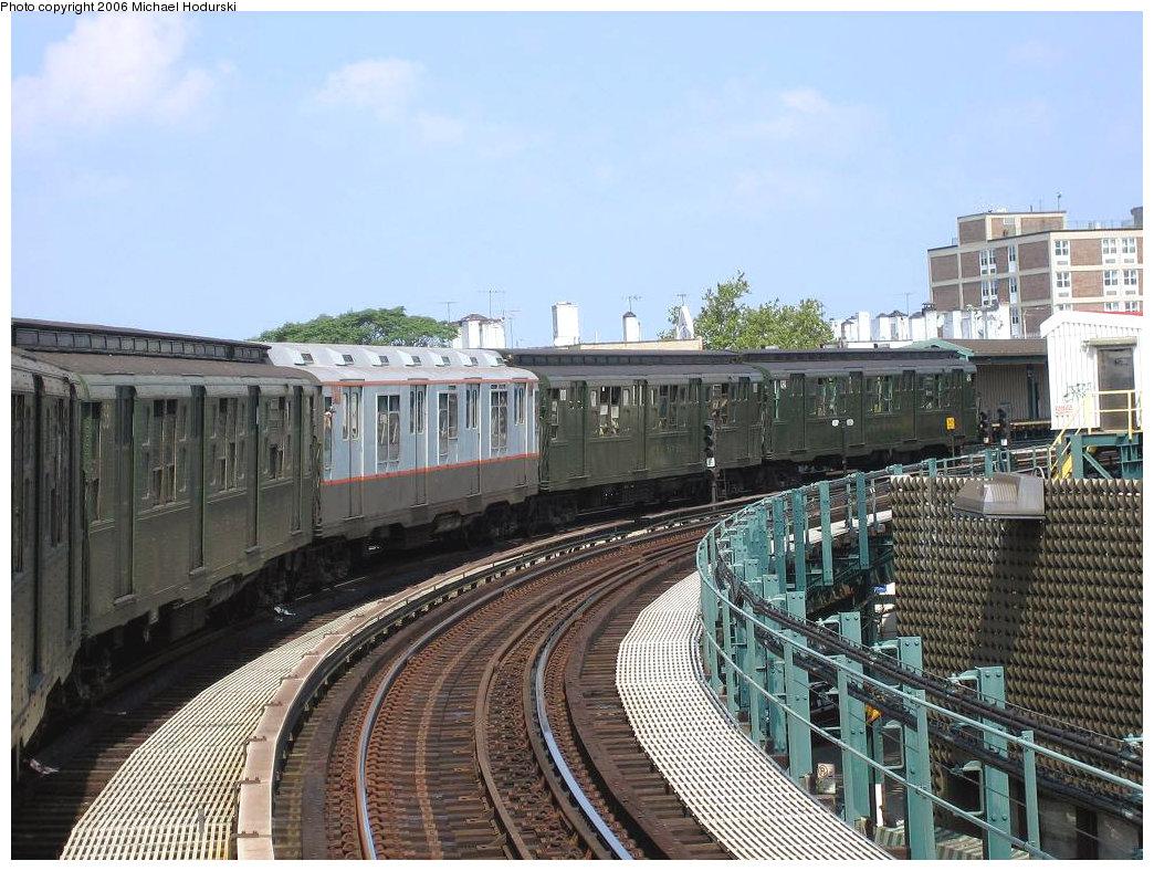 (244k, 1044x788)<br><b>Country:</b> United States<br><b>City:</b> New York<br><b>System:</b> New York City Transit<br><b>Line:</b> BMT West End Line<br><b>Location:</b> 18th Avenue<br><b>Route:</b> Fan Trip<br><b>Car:</b> R-1 (American Car & Foundry, 1930-1931) 100 <br><b>Photo by:</b> Michael Hodurski<br><b>Date:</b> 8/20/2006<br><b>Viewed (this week/total):</b> 1 / 3252
