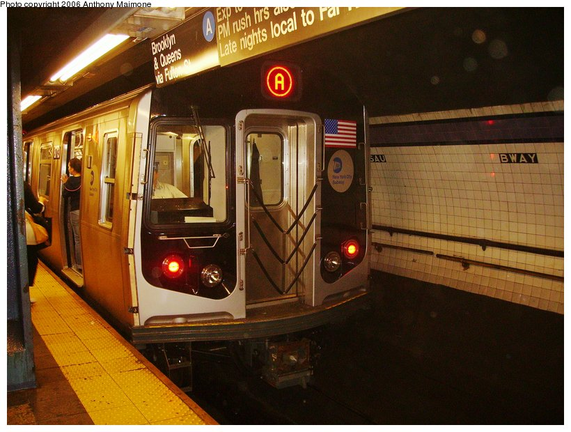 (123k, 820x620)<br><b>Country:</b> United States<br><b>City:</b> New York<br><b>System:</b> New York City Transit<br><b>Line:</b> IND 8th Avenue Line<br><b>Location:</b> Fulton Street (Broadway/Nassau) <br><b>Route:</b> A<br><b>Car:</b> R-160B (Kawasaki, 2005-2008)  8713 <br><b>Photo by:</b> Anthony Maimone<br><b>Date:</b> 9/11/2006<br><b>Notes:</b> First day of revenue service on the A line as part of the 30-day test.<br><b>Viewed (this week/total):</b> 3 / 7617