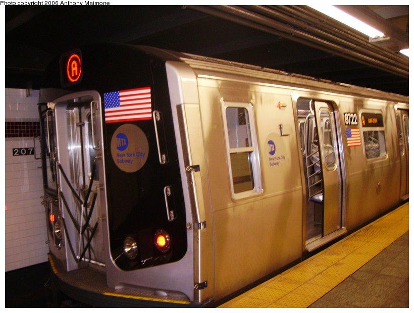 (104k, 820x620)<br><b>Country:</b> United States<br><b>City:</b> New York<br><b>System:</b> New York City Transit<br><b>Line:</b> IND 8th Avenue Line<br><b>Location:</b> 207th Street <br><b>Route:</b> A<br><b>Car:</b> R-160B (Kawasaki, 2005-2008)  8722 <br><b>Photo by:</b> Anthony Maimone<br><b>Date:</b> 9/12/2006<br><b>Viewed (this week/total):</b> 0 / 5130