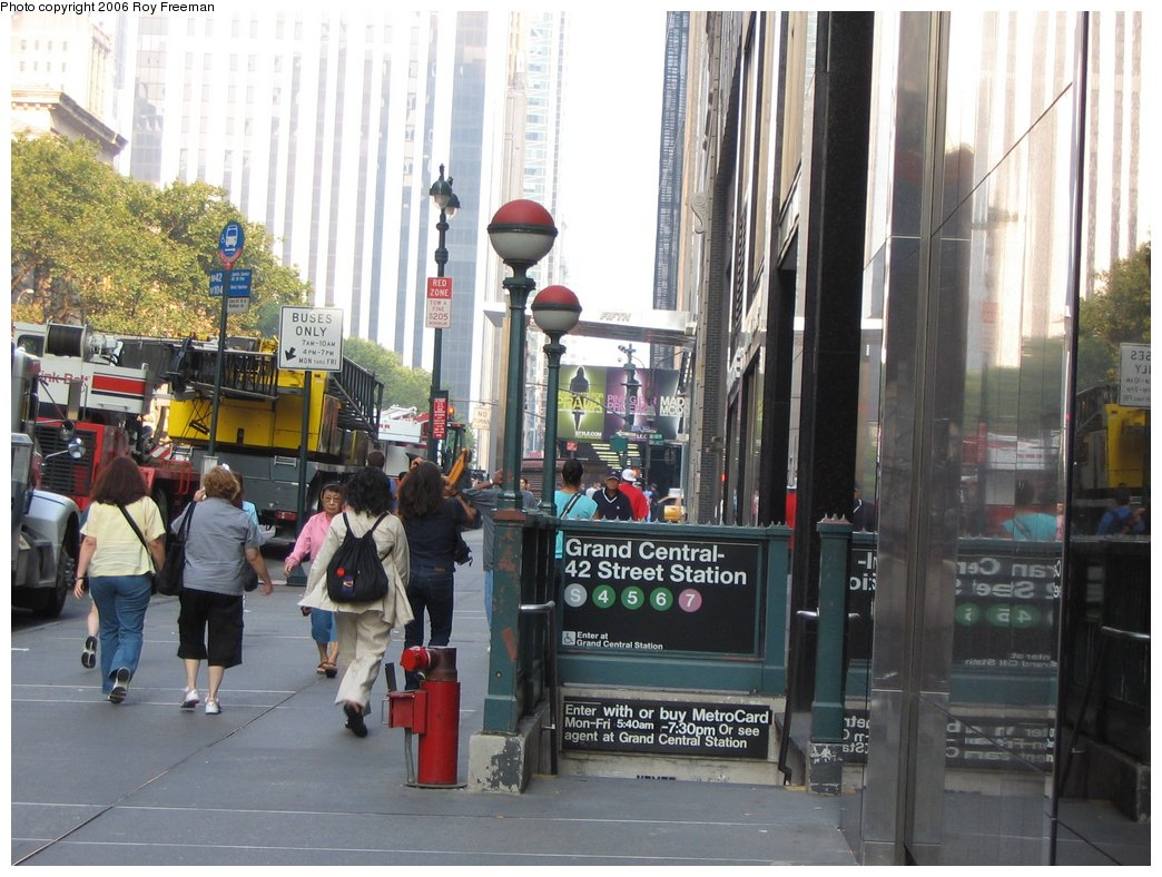 (178k, 1044x788)<br><b>Country:</b> United States<br><b>City:</b> New York<br><b>System:</b> New York City Transit<br><b>Line:</b> IRT Times Square-Grand Central Shuttle<br><b>Location:</b> Grand Central <br><b>Photo by:</b> Roy Freeman<br><b>Date:</b> 9/9/2006<br><b>Notes:</b> Station entrance at far west end of shuttle, north side 42nd bet. Madison & 5th.<br><b>Viewed (this week/total):</b> 1 / 2848