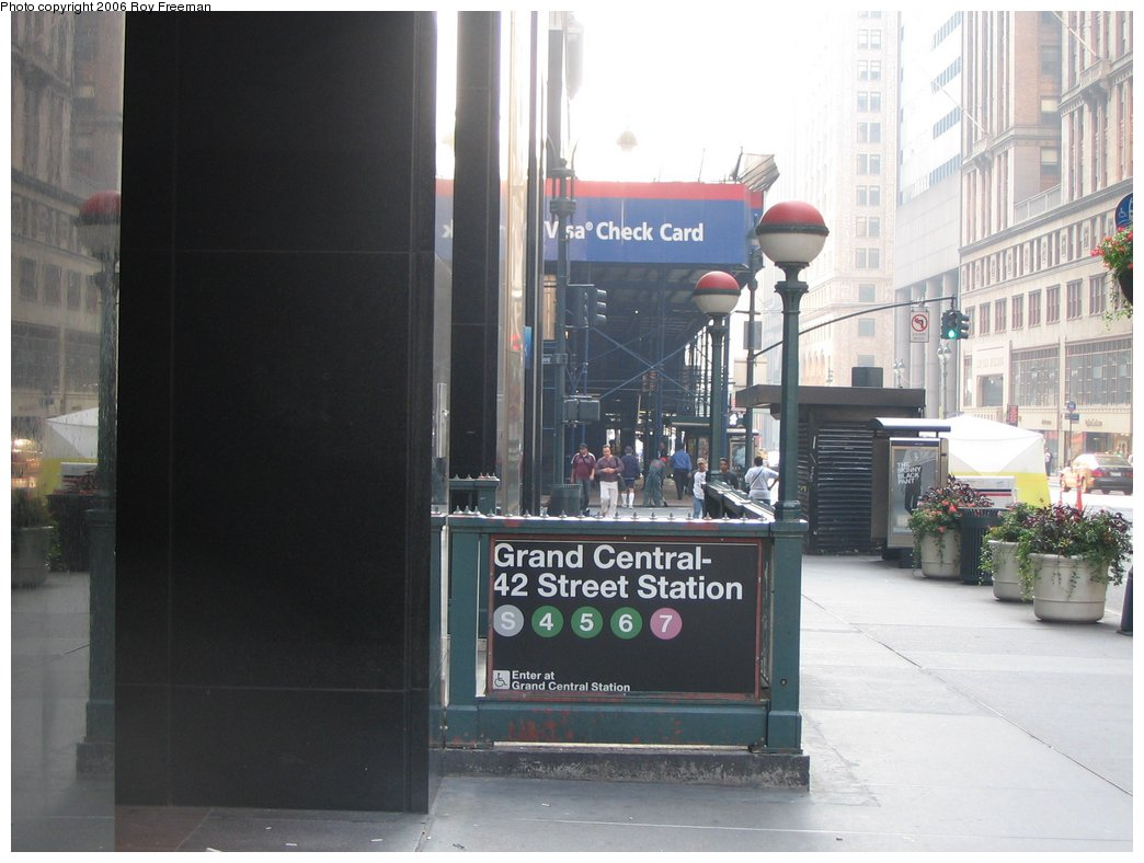 (132k, 1044x788)<br><b>Country:</b> United States<br><b>City:</b> New York<br><b>System:</b> New York City Transit<br><b>Line:</b> IRT Times Square-Grand Central Shuttle<br><b>Location:</b> Grand Central <br><b>Photo by:</b> Roy Freeman<br><b>Date:</b> 9/9/2006<br><b>Notes:</b> Station entrance at far west end of shuttle, north side 42nd bet. Madison & 5th.<br><b>Viewed (this week/total):</b> 1 / 2982