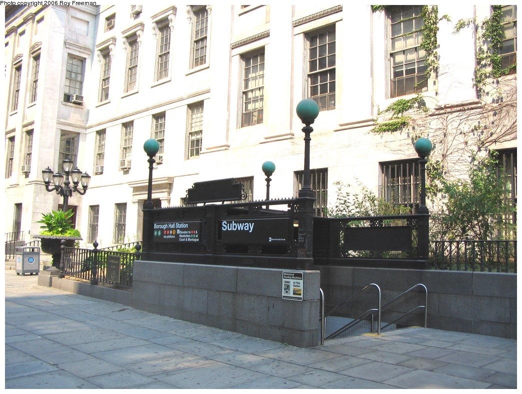 (192k, 1044x788)<br><b>Country:</b> United States<br><b>City:</b> New York<br><b>System:</b> New York City Transit<br><b>Line:</b> IRT Brooklyn Line<br><b>Location:</b> Borough Hall (East Side Branch) <br><b>Photo by:</b> Roy Freeman<br><b>Date:</b> 9/9/2006<br><b>Notes:</b> Station entrance on Joralemon bet. Adams and Court.<br><b>Viewed (this week/total):</b> 0 / 2680