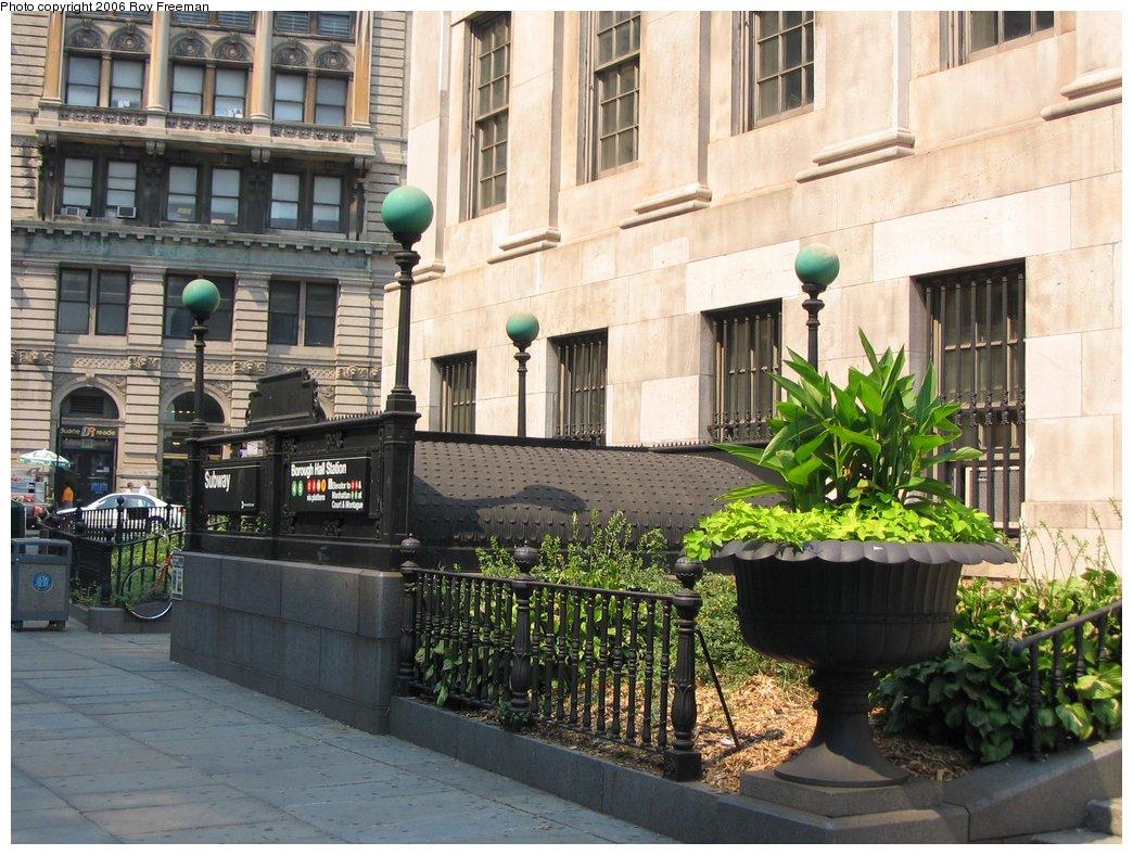 (202k, 1044x788)<br><b>Country:</b> United States<br><b>City:</b> New York<br><b>System:</b> New York City Transit<br><b>Line:</b> IRT Brooklyn Line<br><b>Location:</b> Borough Hall (East Side Branch) <br><b>Photo by:</b> Roy Freeman<br><b>Date:</b> 9/9/2006<br><b>Notes:</b> Station entrance on Joralemon bet. Adams and Court.<br><b>Viewed (this week/total):</b> 0 / 3264