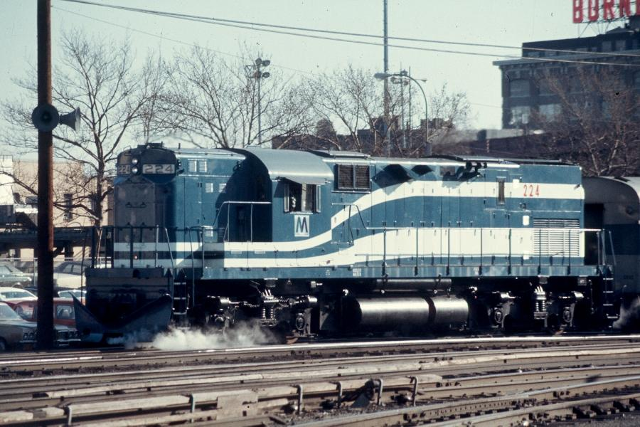 (103k, 900x600)<br><b>Country:</b> United States<br><b>City:</b> New York<br><b>System:</b> Long Island Rail Road<br><b>Line:</b> LIRR Long Island City<br><b>Location:</b> Long Island City <br><b>Car:</b> LIRR Alco C-420 (Diesel) 224 <br><b>Photo by:</b> Harv Kahn<br><b>Date:</b> 2/23/1976<br><b>Viewed (this week/total):</b> 3 / 1403