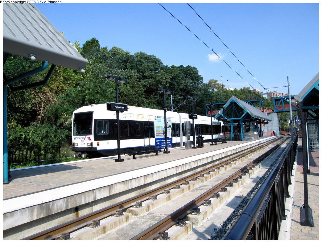 (296k, 1044x788)<br><b>Country:</b> United States<br><b>City:</b> Weehawken, NJ<br><b>System:</b> Hudson Bergen Light Rail<br><b>Location:</b> Port Imperial <br><b>Car:</b> NJT-HBLR LRV (Kinki-Sharyo, 1998-99)  2011 <br><b>Photo by:</b> David Pirmann<br><b>Date:</b> 9/28/2006<br><b>Viewed (this week/total):</b> 0 / 1245