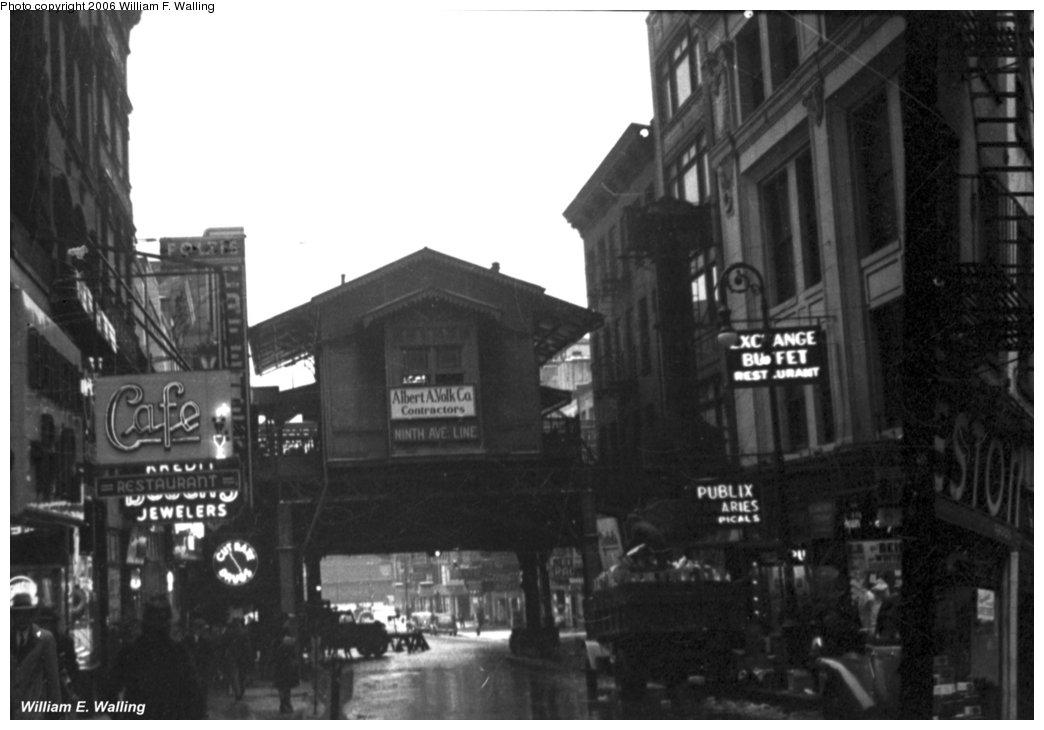 (102k, 1044x730)<br><b>Country:</b> United States<br><b>City:</b> New York<br><b>System:</b> New York City Transit<br><b>Line:</b> 9th Avenue El<br><b>Location:</b> Cortlandt Street <br><b>Photo by:</b> William F. Walling<br><b>Date:</b> 1940<br><b>Viewed (this week/total):</b> 0 / 2614