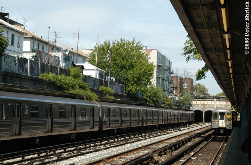 (233k, 864x567)<br><b>Country:</b> United States<br><b>City:</b> New York<br><b>System:</b> New York City Transit<br><b>Line:</b> BMT Sea Beach Line<br><b>Location:</b> Bay Parkway (22nd Avenue) <br><b>Route:</b> N<br><b>Car:</b> R-68 (Westinghouse-Amrail, 1986-1988)  2783 <br><b>Photo by:</b> Peter Ehrlich<br><b>Date:</b> 9/30/2006<br><b>Viewed (this week/total):</b> 0 / 2745