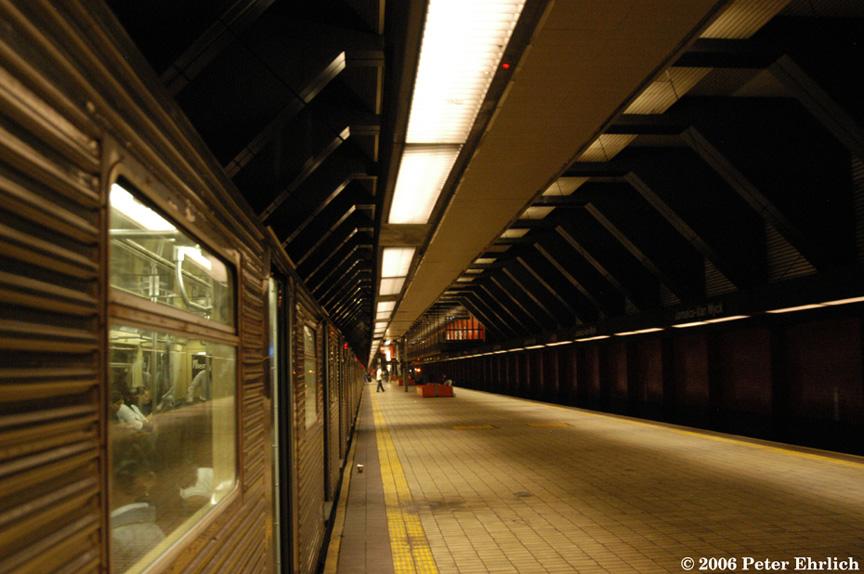 (185k, 864x574)<br><b>Country:</b> United States<br><b>City:</b> New York<br><b>System:</b> New York City Transit<br><b>Line:</b> IND Queens Boulevard Line<br><b>Location:</b> Jamaica/Van Wyck <br><b>Route:</b> E<br><b>Car:</b> R-32 (Budd, 1964)  3579 <br><b>Photo by:</b> Peter Ehrlich<br><b>Date:</b> 9/20/2006<br><b>Viewed (this week/total):</b> 1 / 4016