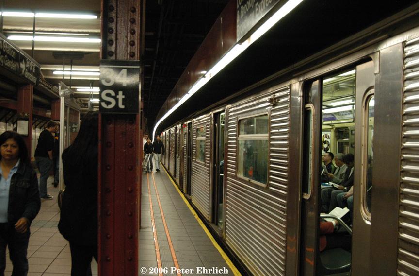 (217k, 864x568)<br><b>Country:</b> United States<br><b>City:</b> New York<br><b>System:</b> New York City Transit<br><b>Line:</b> BMT Broadway Line<br><b>Location:</b> 34th Street/Herald Square <br><b>Route:</b> N<br><b>Car:</b> R-32 (Budd, 1964)  3692 <br><b>Photo by:</b> Peter Ehrlich<br><b>Date:</b> 9/28/2006<br><b>Viewed (this week/total):</b> 2 / 4673