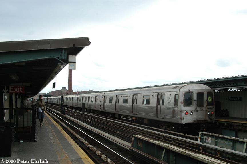 (130k, 864x574)<br><b>Country:</b> United States<br><b>City:</b> New York<br><b>System:</b> New York City Transit<br><b>Line:</b> BMT Culver Line<br><b>Location:</b> Avenue X <br><b>Route:</b> G<br><b>Car:</b> R-46 (Pullman-Standard, 1974-75) 5610 <br><b>Photo by:</b> Peter Ehrlich<br><b>Date:</b> 9/30/2006<br><b>Viewed (this week/total):</b> 1 / 1999