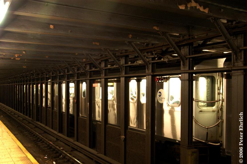 (192k, 864x574)<br><b>Country:</b> United States<br><b>City:</b> New York<br><b>System:</b> New York City Transit<br><b>Line:</b> IRT East Side Line<br><b>Location:</b> 51st Street <br><b>Route:</b> 6<br><b>Car:</b> R-142A (Primary Order, Kawasaki, 1999-2002)  7257 <br><b>Photo by:</b> Peter Ehrlich<br><b>Date:</b> 9/20/2006<br><b>Viewed (this week/total):</b> 2 / 4428