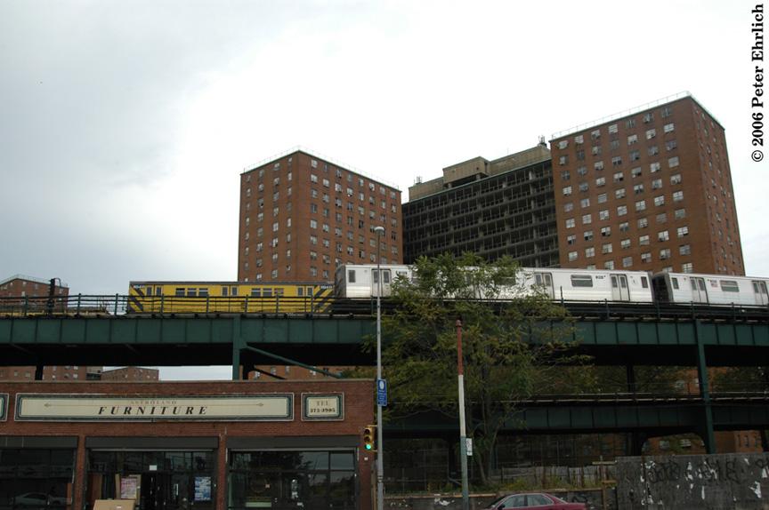 (159k, 864x574)<br><b>Country:</b> United States<br><b>City:</b> New York<br><b>System:</b> New York City Transit<br><b>Line:</b> BMT Brighton Line<br><b>Location:</b> West 8th Street <br><b>Route:</b> Q<br><b>Car:</b> R-68 (Westinghouse-Amrail, 1986-1988)  2814 <br><b>Photo by:</b> Peter Ehrlich<br><b>Date:</b> 9/30/2006<br><b>Notes:</b> Work train and R68s west of West 8th Street Station.<br><b>Viewed (this week/total):</b> 1 / 3282