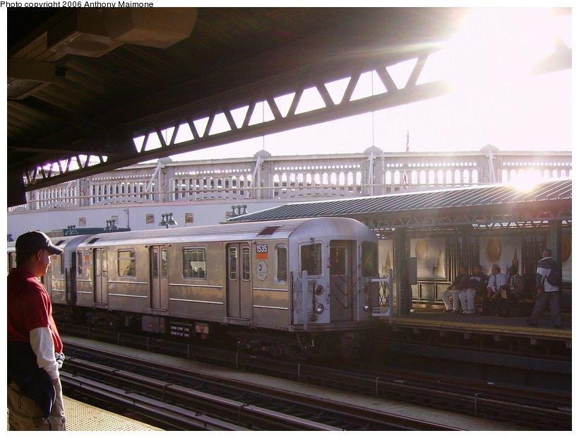 (107k, 820x620)<br><b>Country:</b> United States<br><b>City:</b> New York<br><b>System:</b> New York City Transit<br><b>Line:</b> IRT Woodlawn Line<br><b>Location:</b> 161st Street/River Avenue (Yankee Stadium) <br><b>Route:</b> 4<br><b>Car:</b> R-62 (Kawasaki, 1983-1985)  1535 <br><b>Photo by:</b> Anthony Maimone<br><b>Date:</b> 10/5/2006<br><b>Viewed (this week/total):</b> 0 / 3097