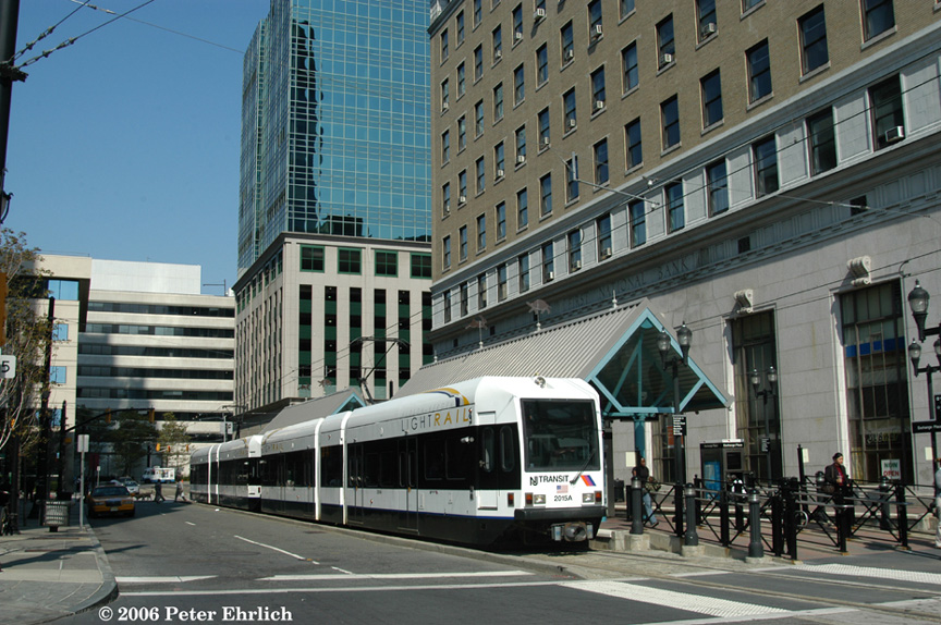 (240k, 864x574)<br><b>Country:</b> United States<br><b>City:</b> Jersey City, NJ<br><b>System:</b> Hudson Bergen Light Rail<br><b>Location:</b> Exchange Place <br><b>Car:</b> NJT-HBLR LRV (Kinki-Sharyo, 1998-99)  2015+2020 <br><b>Photo by:</b> Peter Ehrlich<br><b>Date:</b> 9/28/2006<br><b>Viewed (this week/total):</b> 0 / 1267