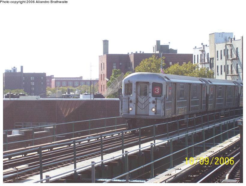 (121k, 820x620)<br><b>Country:</b> United States<br><b>City:</b> New York<br><b>System:</b> New York City Transit<br><b>Line:</b> IRT Brooklyn Line<br><b>Location:</b> Saratoga Avenue <br><b>Route:</b> 3<br><b>Car:</b> R-62 (Kawasaki, 1983-1985)  1611 <br><b>Photo by:</b> Aliandro Brathwaite<br><b>Date:</b> 10/9/2006<br><b>Viewed (this week/total):</b> 0 / 3068