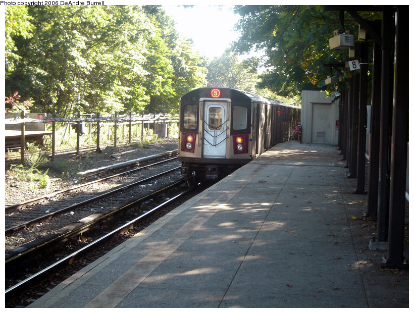 (196k, 820x620)<br><b>Country:</b> United States<br><b>City:</b> New York<br><b>System:</b> New York City Transit<br><b>Line:</b> IRT Dyre Ave. Line<br><b>Location:</b> Baychester Avenue <br><b>Route:</b> 5<br><b>Car:</b> R-142 or R-142A (Number Unknown)  <br><b>Photo by:</b> DeAndre Burrell<br><b>Date:</b> 10/7/2006<br><b>Viewed (this week/total):</b> 0 / 3463