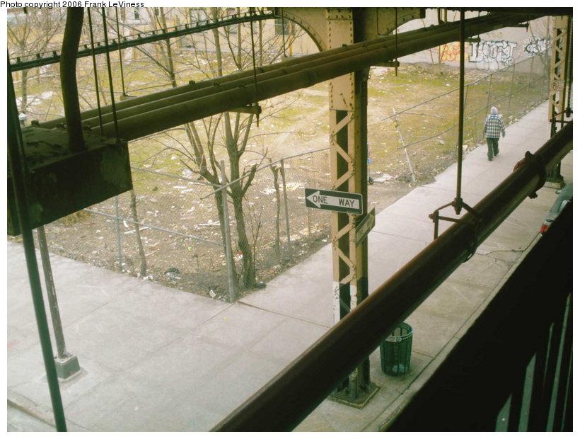 (115k, 820x620)<br><b>Country:</b> United States<br><b>City:</b> New York<br><b>System:</b> New York City Transit<br><b>Line:</b> BMT Nassau Street/Jamaica Line<br><b>Location:</b> Van Siclen Avenue <br><b>Photo by:</b> Frank LeViness<br><b>Date:</b> 3/22/2006<br><b>Notes:</b> El pillar at Van Siclen Ave circa 1885 with One Way sign.<br><b>Viewed (this week/total):</b> 0 / 3219