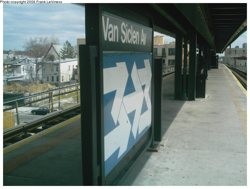 (97k, 820x620)<br><b>Country:</b> United States<br><b>City:</b> New York<br><b>System:</b> New York City Transit<br><b>Line:</b> BMT Nassau Street/Jamaica Line<br><b>Location:</b> Van Siclen Avenue <br><b>Photo by:</b> Frank LeViness<br><b>Date:</b> 3/22/2006<br><b>Notes:</b> Station signage.<br><b>Viewed (this week/total):</b> 0 / 2123