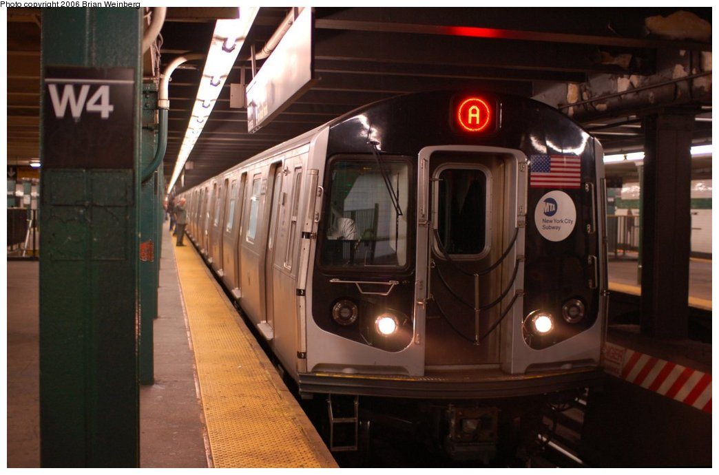 (176k, 1044x690)<br><b>Country:</b> United States<br><b>City:</b> New York<br><b>System:</b> New York City Transit<br><b>Line:</b> IND 8th Avenue Line<br><b>Location:</b> West 4th Street/Washington Square <br><b>Route:</b> A<br><b>Car:</b> R-160A-2 (Alstom, 2005-2008, 5 car sets)  8653 <br><b>Photo by:</b> Brian Weinberg<br><b>Date:</b> 10/16/2006<br><b>Notes:</b> First day of revenue service testing of the R160A.<br><b>Viewed (this week/total):</b> 0 / 5910