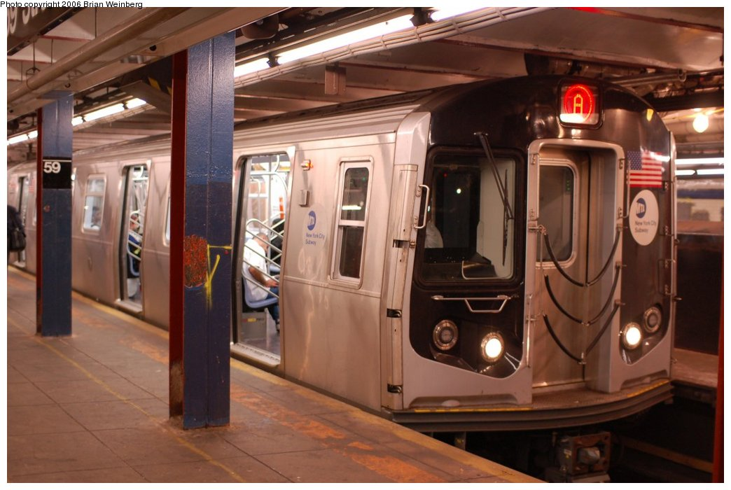 (193k, 1044x700)<br><b>Country:</b> United States<br><b>City:</b> New York<br><b>System:</b> New York City Transit<br><b>Line:</b> IND 8th Avenue Line<br><b>Location:</b> 59th Street/Columbus Circle<br><b>Route:</b> A<br><b>Car:</b> R-160A-2 (Alstom, 2005-2008, 5 car sets) 8653 <br><b>Photo by:</b> Brian Weinberg<br><b>Date:</b> 10/16/2006<br><b>Notes:</b> First day of revenue service testing of the R160A.<br><b>Viewed (this week/total):</b> 6 / 6069