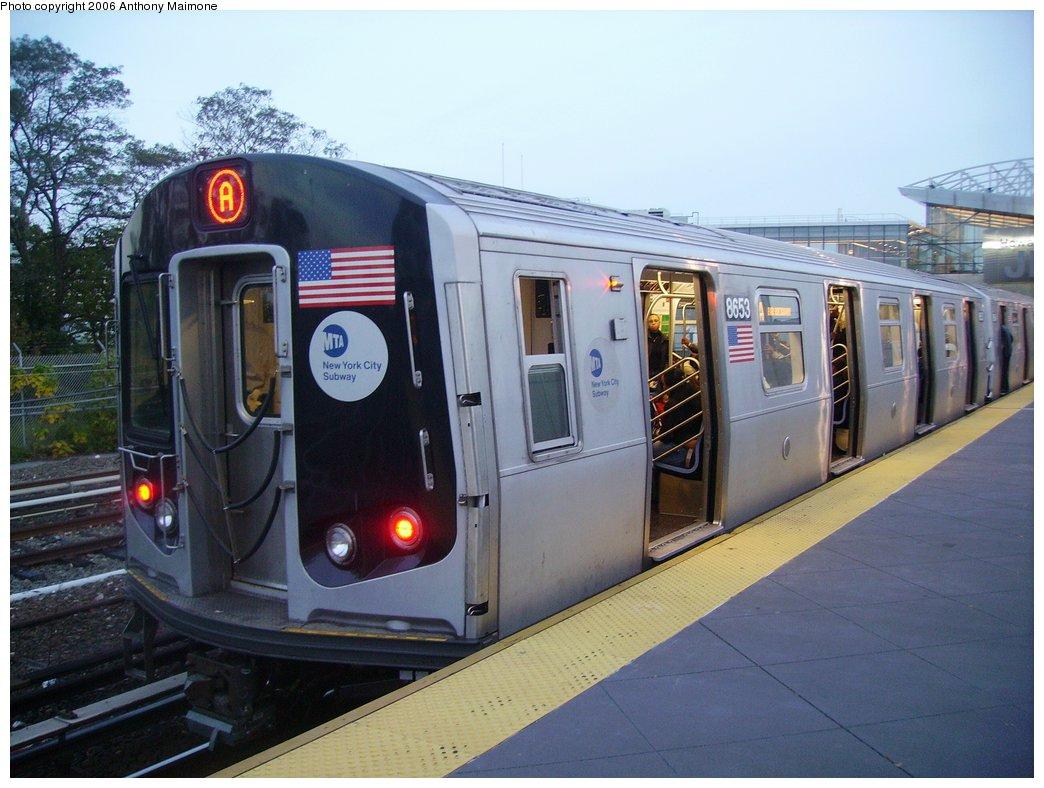 (163k, 1044x788)<br><b>Country:</b> United States<br><b>City:</b> New York<br><b>System:</b> New York City Transit<br><b>Line:</b> IND Rockaway<br><b>Location:</b> Howard Beach <br><b>Route:</b> A<br><b>Car:</b> R-160A-2 (Alstom, 2005-2008, 5 car sets)  8653 <br><b>Photo by:</b> Anthony Maimone<br><b>Date:</b> 10/16/2006<br><b>Notes:</b> First day of revenue service testing of the R160A.<br><b>Viewed (this week/total):</b> 3 / 7503