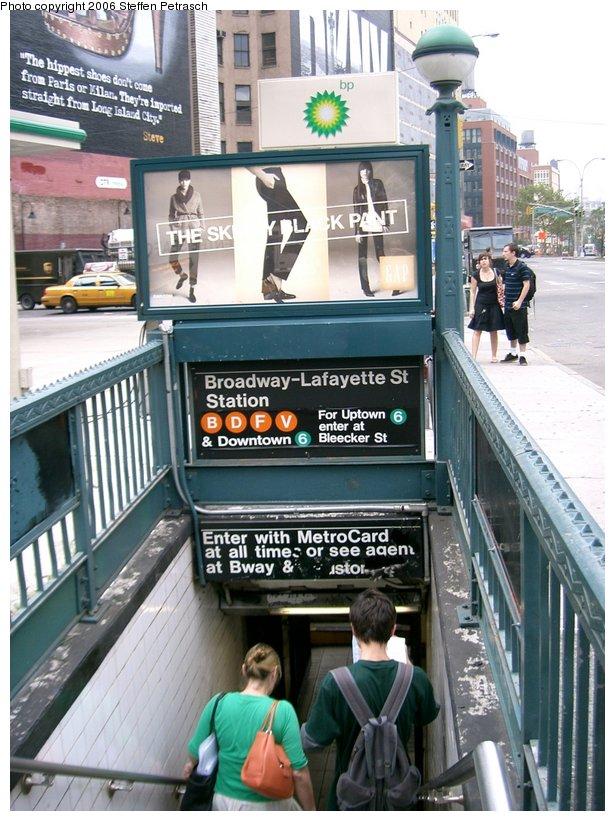 (167k, 615x821)<br><b>Country:</b> United States<br><b>City:</b> New York<br><b>System:</b> New York City Transit<br><b>Line:</b> IND 6th Avenue Line<br><b>Location:</b> Broadway/Lafayette <br><b>Photo by:</b> Steffen Petrasch<br><b>Date:</b> 9/19/2006<br><b>Notes:</b> Station entrance.<br><b>Viewed (this week/total):</b> 0 / 4834