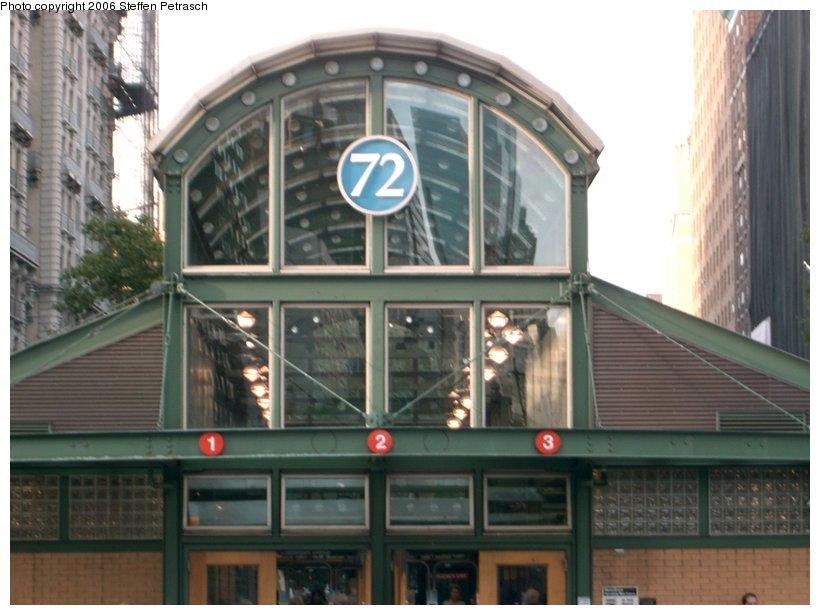 (128k, 820x615)<br><b>Country:</b> United States<br><b>City:</b> New York<br><b>System:</b> New York City Transit<br><b>Line:</b> IRT West Side Line<br><b>Location:</b> 72nd Street <br><b>Photo by:</b> Steffen Petrasch<br><b>Date:</b> 9/20/2006<br><b>Notes:</b> New headhouse.<br><b>Viewed (this week/total):</b> 3 / 2415