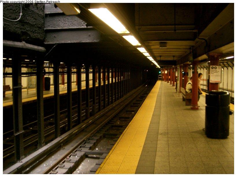 (128k, 820x615)<br><b>Country:</b> United States<br><b>City:</b> New York<br><b>System:</b> New York City Transit<br><b>Line:</b> IRT West Side Line<br><b>Location:</b> 72nd Street <br><b>Photo by:</b> Steffen Petrasch<br><b>Date:</b> 9/24/2006<br><b>Viewed (this week/total):</b> 0 / 2807