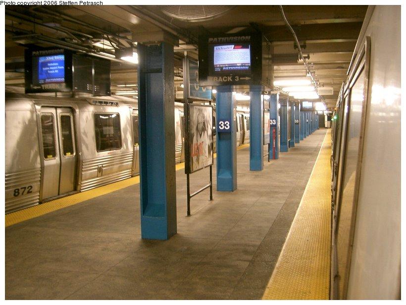 (134k, 820x615)<br><b>Country:</b> United States<br><b>City:</b> New York<br><b>System:</b> PATH<br><b>Location:</b> 33rd Street <br><b>Car:</b> PATH PA-4 (Kawasaki, 1986)  872 <br><b>Photo by:</b> Steffen Petrasch<br><b>Date:</b> 9/27/2006<br><b>Viewed (this week/total):</b> 0 / 2563