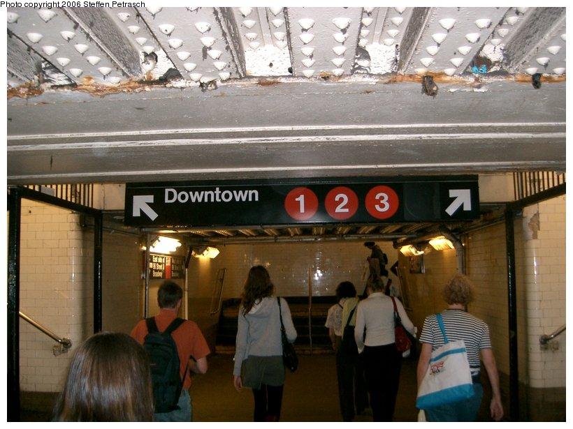 (147k, 820x615)<br><b>Country:</b> United States<br><b>City:</b> New York<br><b>System:</b> New York City Transit<br><b>Line:</b> IRT West Side Line<br><b>Location:</b> 96th Street <br><b>Photo by:</b> Steffen Petrasch<br><b>Date:</b> 9/28/2006<br><b>Notes:</b> Underpass providing access to island platforms.<br><b>Viewed (this week/total):</b> 1 / 2864