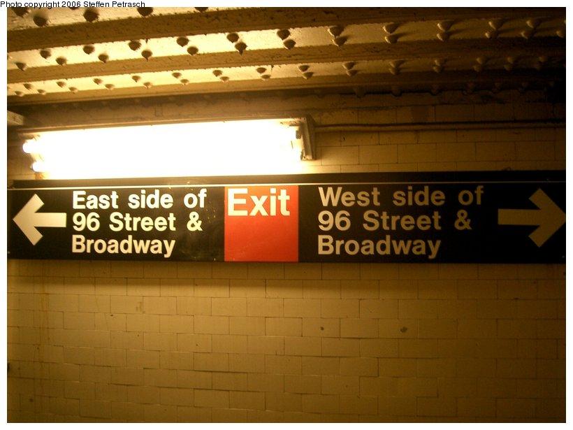 (116k, 820x615)<br><b>Country:</b> United States<br><b>City:</b> New York<br><b>System:</b> New York City Transit<br><b>Line:</b> IRT West Side Line<br><b>Location:</b> 96th Street <br><b>Photo by:</b> Steffen Petrasch<br><b>Date:</b> 9/28/2006<br><b>Notes:</b> Signage in underpass.<br><b>Viewed (this week/total):</b> 0 / 1804