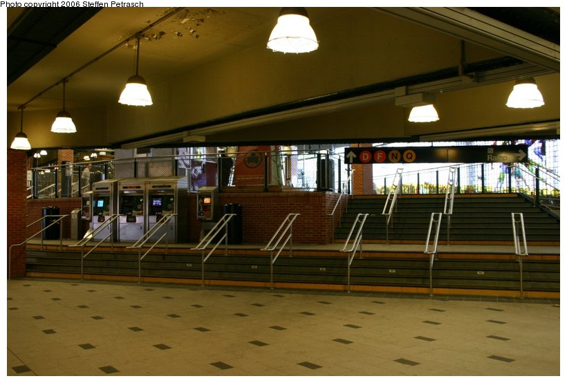 (97k, 820x554)<br><b>Country:</b> United States<br><b>City:</b> New York<br><b>System:</b> New York City Transit<br><b>Location:</b> Coney Island/Stillwell Avenue<br><b>Photo by:</b> Steffen Petrasch<br><b>Date:</b> 9/24/2006<br><b>Notes:</b> Station interior.<br><b>Viewed (this week/total):</b> 0 / 2053