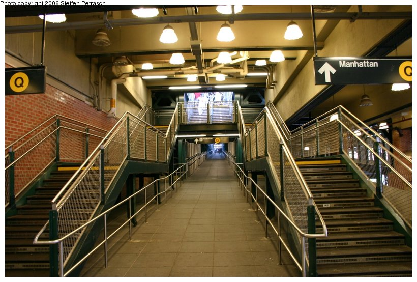 (125k, 820x554)<br><b>Country:</b> United States<br><b>City:</b> New York<br><b>System:</b> New York City Transit<br><b>Location:</b> Coney Island/Stillwell Avenue<br><b>Photo by:</b> Steffen Petrasch<br><b>Date:</b> 9/24/2006<br><b>Notes:</b> Station interior-stairs up to Q platform.<br><b>Viewed (this week/total):</b> 0 / 2140