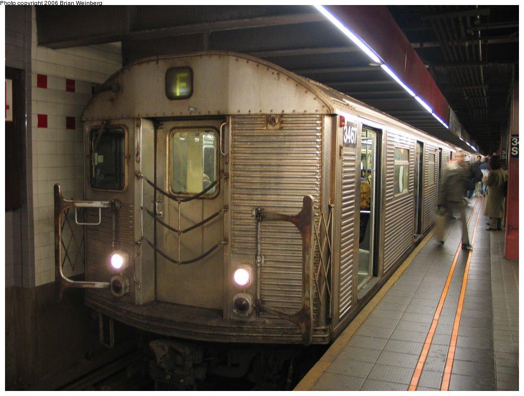 (139k, 1044x788)<br><b>Country:</b> United States<br><b>City:</b> New York<br><b>System:</b> New York City Transit<br><b>Line:</b> IND 6th Avenue Line<br><b>Location:</b> 34th Street/Herald Square <br><b>Route:</b> F<br><b>Car:</b> R-32 (Budd, 1964)  3467 <br><b>Photo by:</b> Brian Weinberg<br><b>Date:</b> 1/26/2005<br><b>Viewed (this week/total):</b> 2 / 3636