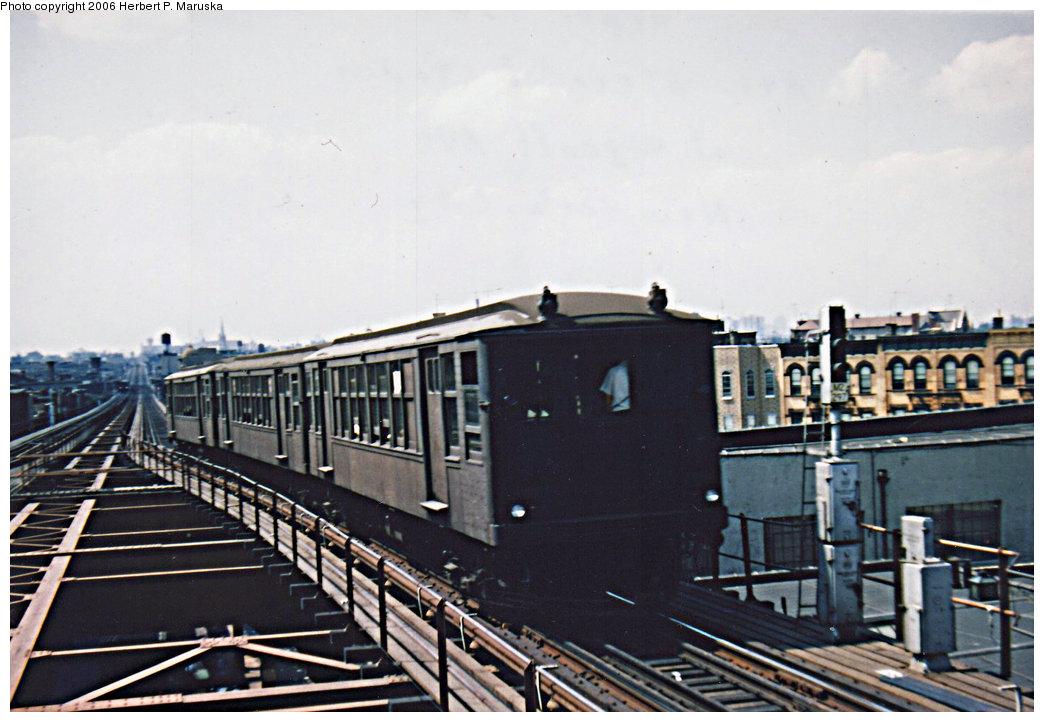 (182k, 1044x722)<br><b>Country:</b> United States<br><b>City:</b> New York<br><b>System:</b> New York City Transit<br><b>Line:</b> BMT Myrtle Avenue Line<br><b>Location:</b> Wyckoff Avenue <br><b>Car:</b> BMT Q  <br><b>Photo by:</b> Herbert P. Maruska<br><b>Date:</b> 1964<br><b>Viewed (this week/total):</b> 2 / 2805