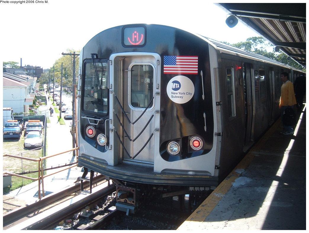 (195k, 1044x788)<br><b>Country:</b> United States<br><b>City:</b> New York<br><b>System:</b> New York City Transit<br><b>Line:</b> IND Rockaway Line<br><b>Location:</b> Mott Avenue/Far Rockaway<br><b>Route:</b> A<br><b>Car:</b> R-160B (Kawasaki, 2005-2008) 8713 <br><b>Photo by:</b> Chris M.<br><b>Date:</b> 9/16/2006<br><b>Viewed (this week/total):</b> 0 / 3758