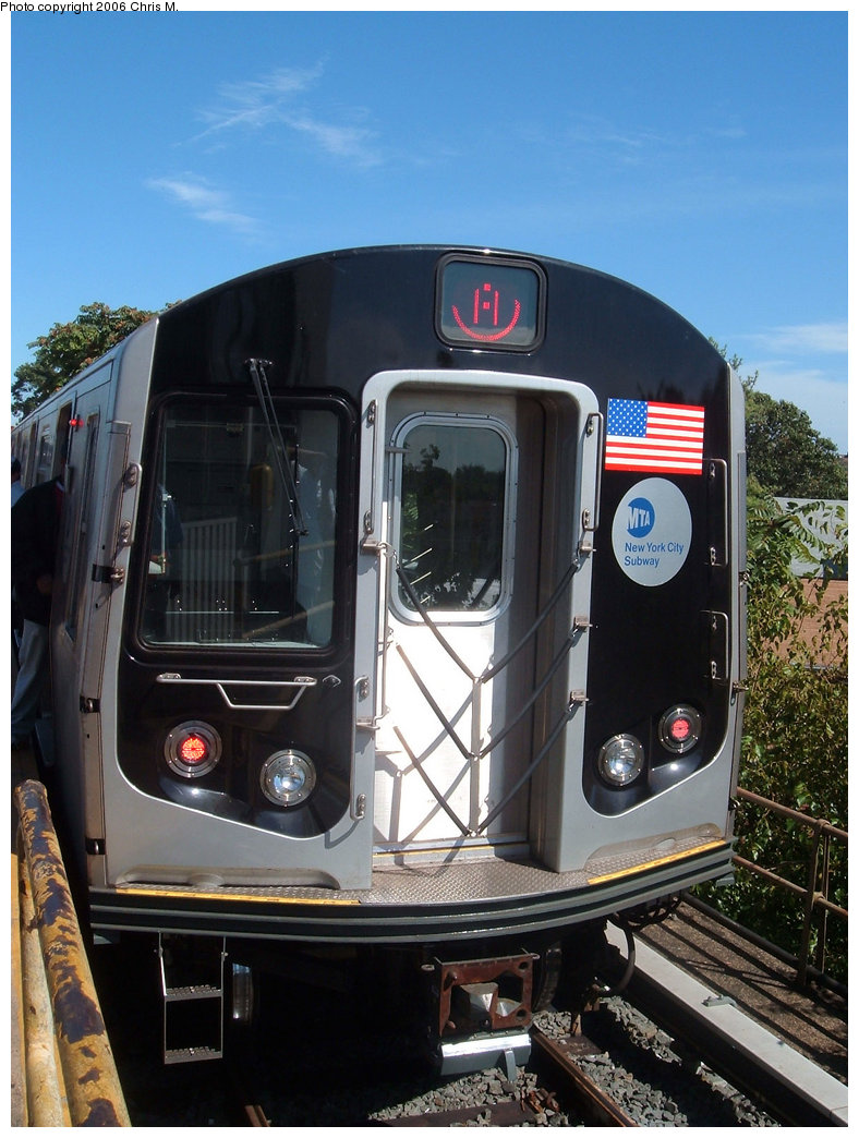 (211k, 788x1044)<br><b>Country:</b> United States<br><b>City:</b> New York<br><b>System:</b> New York City Transit<br><b>Line:</b> IND Rockaway<br><b>Location:</b> Mott Avenue/Far Rockaway <br><b>Route:</b> A<br><b>Car:</b> R-160B (Kawasaki, 2005-2008)  8722 <br><b>Photo by:</b> Chris M.<br><b>Date:</b> 9/16/2006<br><b>Viewed (this week/total):</b> 0 / 3112