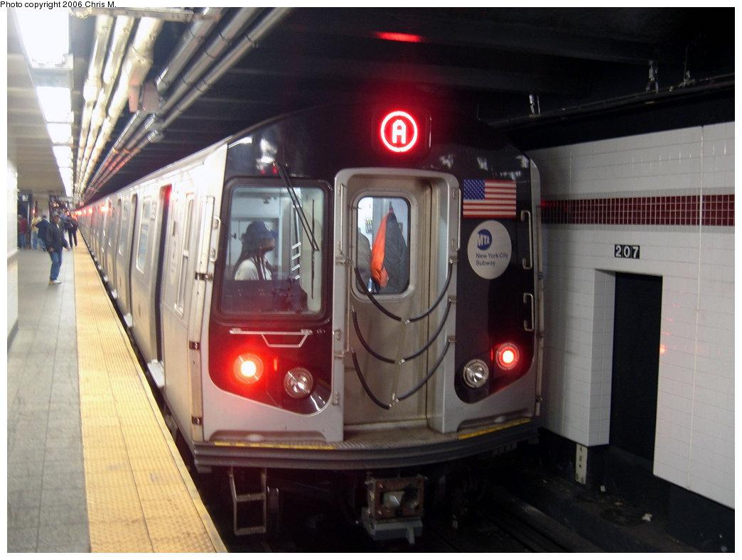 (173k, 1044x788)<br><b>Country:</b> United States<br><b>City:</b> New York<br><b>System:</b> New York City Transit<br><b>Line:</b> IND 8th Avenue Line<br><b>Location:</b> 207th Street<br><b>Route:</b> A<br><b>Car:</b> R-160A-2 (Alstom, 2005-2008, 5 car sets) 8653 <br><b>Photo by:</b> Chris M.<br><b>Date:</b> 10/21/2006<br><b>Viewed (this week/total):</b> 3 / 5498