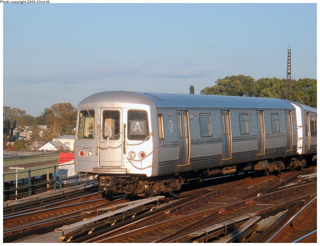 (214k, 1044x804)<br><b>Country:</b> United States<br><b>City:</b> New York<br><b>System:</b> New York City Transit<br><b>Line:</b> IND Fulton Street Line<br><b>Location:</b> Rockaway Boulevard <br><b>Route:</b> A<br><b>Car:</b> R-44 (St. Louis, 1971-73) 5474 <br><b>Photo by:</b> Chris M.<br><b>Date:</b> 10/21/2006<br><b>Viewed (this week/total):</b> 0 / 2271