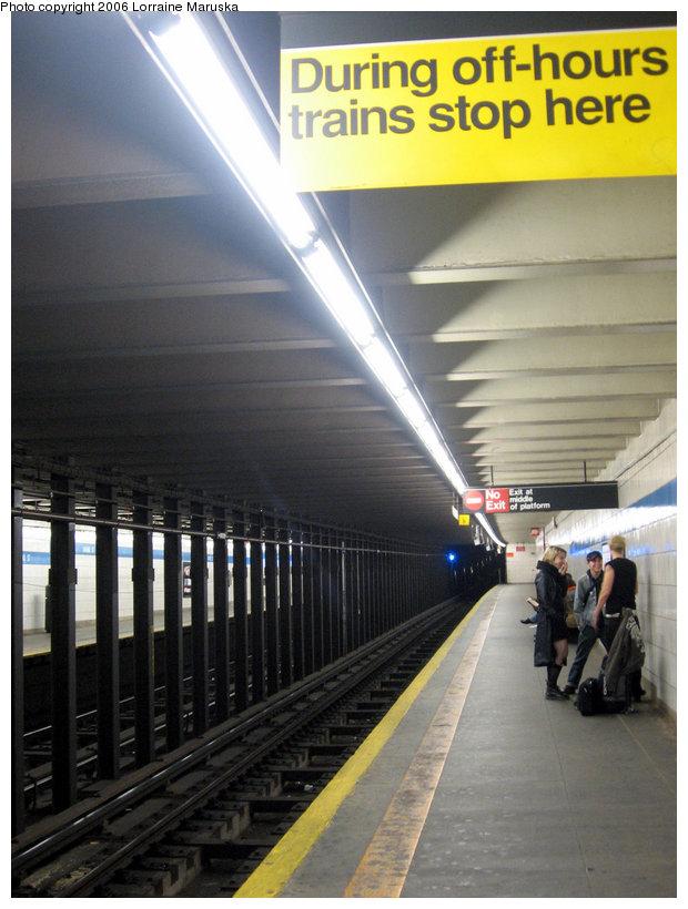 (138k, 620x820)<br><b>Country:</b> United States<br><b>City:</b> New York<br><b>System:</b> New York City Transit<br><b>Line:</b> IND 6th Avenue Line<br><b>Location:</b> Grand Street <br><b>Photo by:</b> Lorraine Maruska<br><b>Date:</b> 10/21/2006<br><b>Viewed (this week/total):</b> 0 / 3923