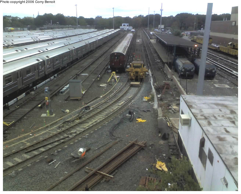 (139k, 820x660)<br><b>Country:</b> United States<br><b>City:</b> New York<br><b>System:</b> New York City Transit<br><b>Location:</b> Corona Yard<br><b>Photo by:</b> Corry Benoit<br><b>Date:</b> 10/26/2006<br><b>Notes:</b> Construction of new loop track at Corona Yard.<br><b>Viewed (this week/total):</b> 0 / 1713