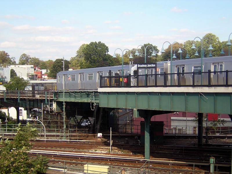 (125k, 800x600)<br><b>Country:</b> United States<br><b>City:</b> New York<br><b>System:</b> New York City Transit<br><b>Line:</b> BMT Canarsie Line<br><b>Location:</b> Broadway Junction <br><b>Route:</b> L<br><b>Car:</b> R-143 (Kawasaki, 2001-2002) 8149/8150 <br><b>Photo by:</b> Robert Mencher<br><b>Date:</b> 10/15/2006<br><b>Viewed (this week/total):</b> 1 / 3703