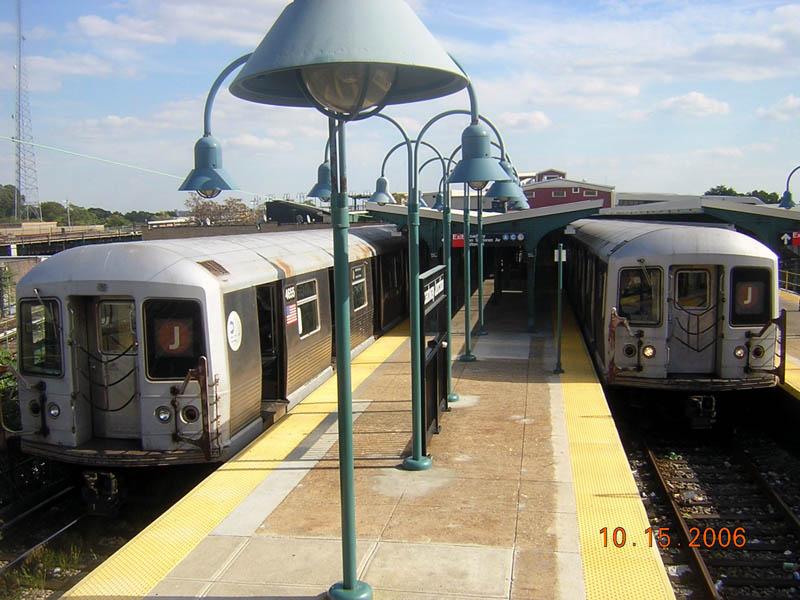 (111k, 800x600)<br><b>Country:</b> United States<br><b>City:</b> New York<br><b>System:</b> New York City Transit<br><b>Line:</b> BMT Nassau Street/Jamaica Line<br><b>Location:</b> Broadway/East New York (Broadway Junction) <br><b>Route:</b> J<br><b>Car:</b> R-42 (St. Louis, 1969-1970)  4655 <br><b>Photo by:</b> Robert Mencher<br><b>Date:</b> 10/15/2006<br><b>Viewed (this week/total):</b> 0 / 3338