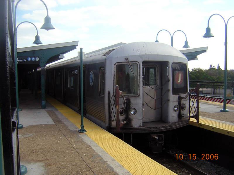 (91k, 800x600)<br><b>Country:</b> United States<br><b>City:</b> New York<br><b>System:</b> New York City Transit<br><b>Line:</b> BMT Nassau Street-Jamaica Line<br><b>Location:</b> Broadway/East New York (Broadway Junction)<br><b>Route:</b> J<br><b>Car:</b> R-42 (St. Louis, 1969-1970) 4790 <br><b>Photo by:</b> Robert Mencher<br><b>Date:</b> 10/15/2006<br><b>Viewed (this week/total):</b> 0 / 2130