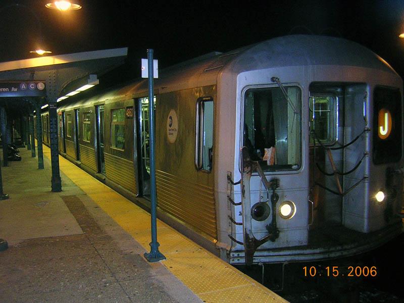 (103k, 800x600)<br><b>Country:</b> United States<br><b>City:</b> New York<br><b>System:</b> New York City Transit<br><b>Line:</b> BMT Nassau Street/Jamaica Line<br><b>Location:</b> Broadway/East New York (Broadway Junction) <br><b>Route:</b> J<br><b>Car:</b> R-42 (St. Louis, 1969-1970)  4860 <br><b>Photo by:</b> Robert Mencher<br><b>Date:</b> 10/15/2006<br><b>Viewed (this week/total):</b> 1 / 2008