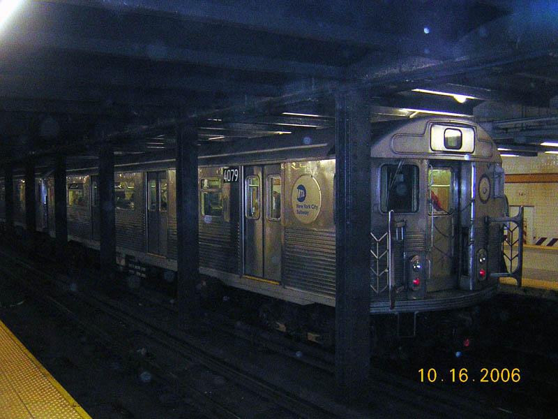 (101k, 800x600)<br><b>Country:</b> United States<br><b>City:</b> New York<br><b>System:</b> New York City Transit<br><b>Line:</b> IND 8th Avenue Line<br><b>Location:</b> 14th Street <br><b>Route:</b> A<br><b>Car:</b> R-38 (St. Louis, 1966-1967)  4079 <br><b>Photo by:</b> Robert Mencher<br><b>Date:</b> 10/16/2006<br><b>Viewed (this week/total):</b> 3 / 3525