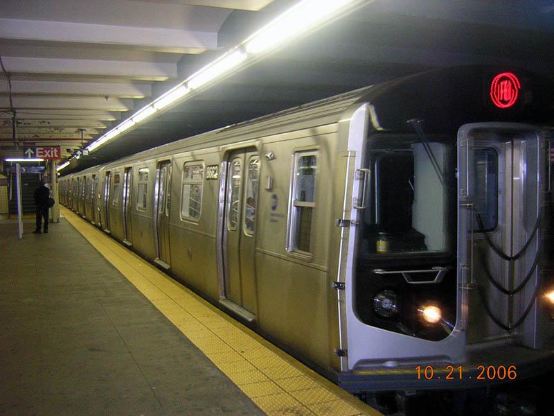 (96k, 800x600)<br><b>Country:</b> United States<br><b>City:</b> New York<br><b>System:</b> New York City Transit<br><b>Line:</b> IND Fulton Street Line<br><b>Location:</b> Euclid Avenue <br><b>Route:</b> A<br><b>Car:</b> R-160A-2 (Alstom, 2005-2008, 5 car sets)  8662 <br><b>Photo by:</b> Robert Mencher<br><b>Date:</b> 10/21/2006<br><b>Viewed (this week/total):</b> 1 / 5146